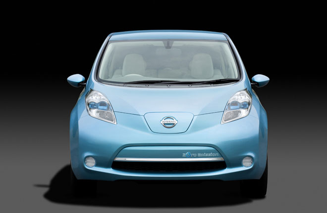Nissan Leaf de face